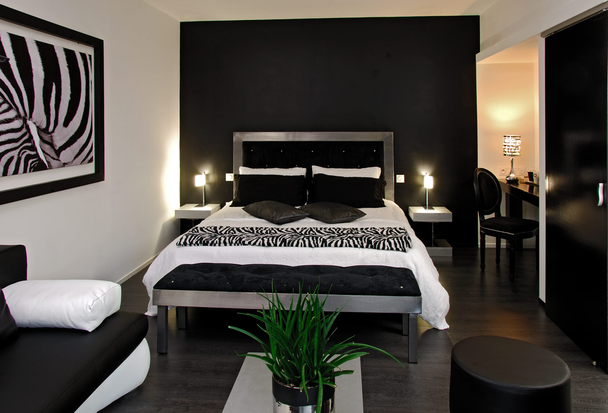 chambre d 39 h tes rodez onet le ch teau la chambre noir et blanc. Black Bedroom Furniture Sets. Home Design Ideas